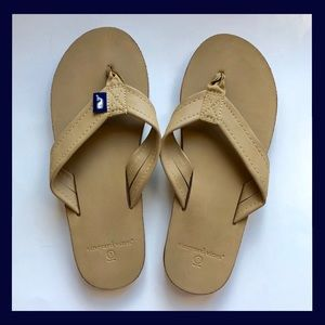 VINEYARD VINES Flip Flops Tan Sandals Ladies 7